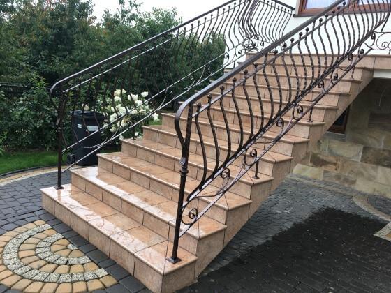 Balustrada na schody metalowa z poręczą