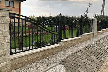 Nowoczesne ogrodzenie łupane