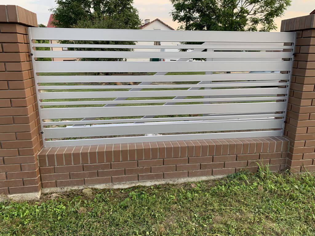 Przęsło ogrodzenia aluminiowego zkliknierem