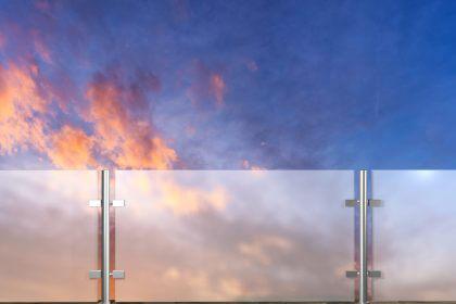 Szklane nowoczesne ogrodzenia - Płotex