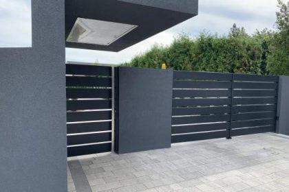 Nowoczesne ogrodzenie frontowe z bramą wjazdową