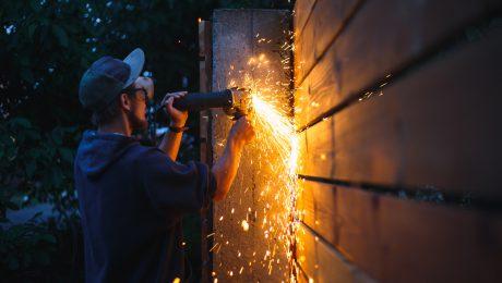 Renowacja ogrodzenia palisadowego