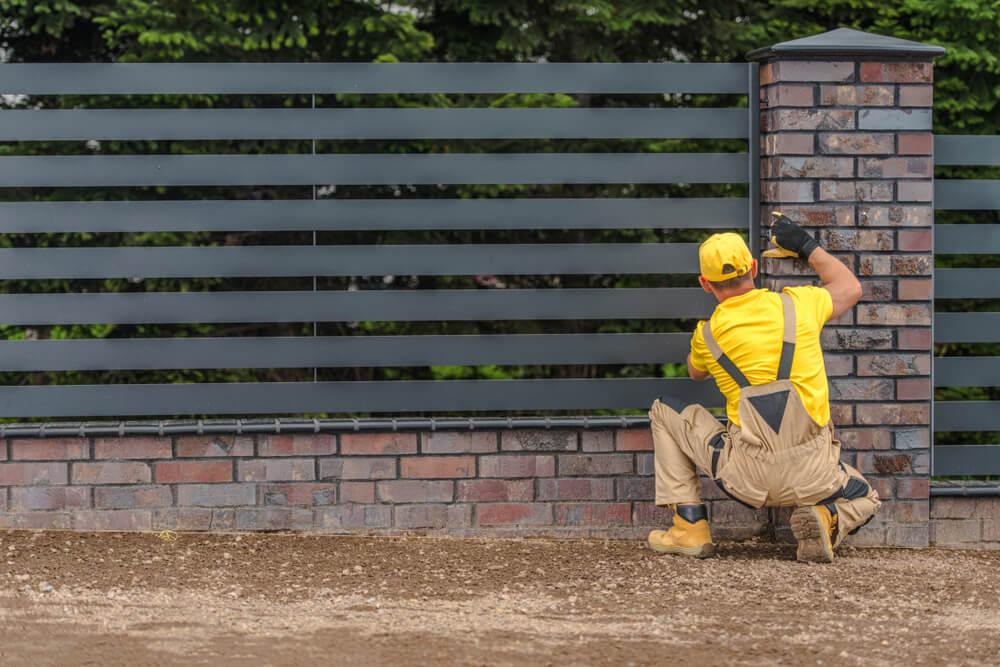 Profesjonalny montaż ogrodzenia